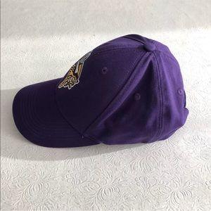 NFL Accessories - Minnesota Vikings Baseball Cap Embroidered Logo